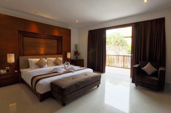 Bale Gede Villas : master Bedroom