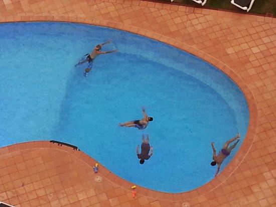 The Breakers: Clean Pool
