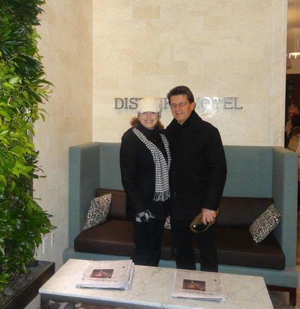 Distrikt Hotel: Attractive Lobby
