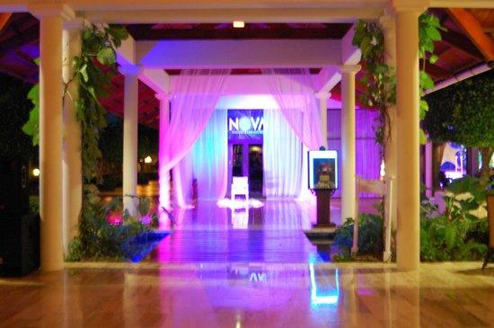 Paradisus Punta Cana Resort : Entrance to theater