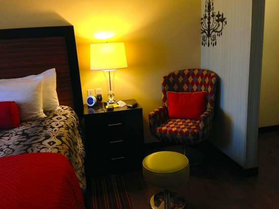 The Maxwell Hotel - A Staypineapple Hotel : Kings Room details