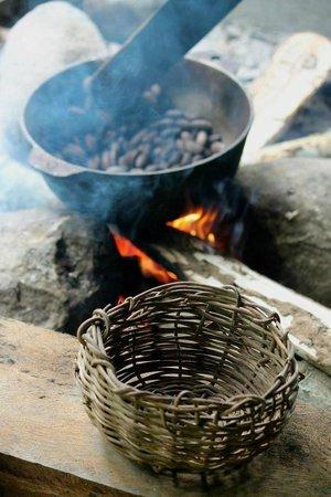 Oreba Chocolate Tour: Cacao beans roasting... mmm