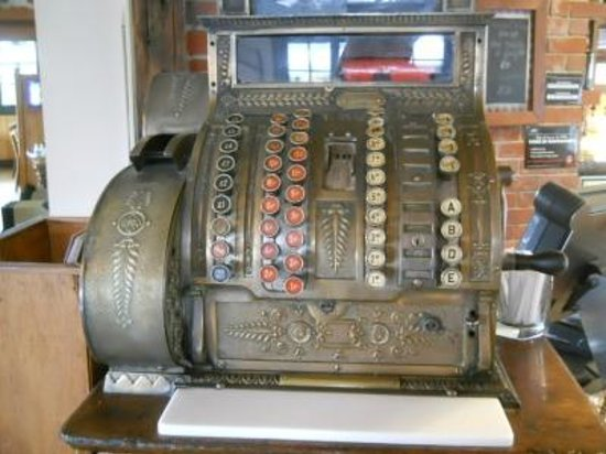 Alice May: Cash register (not the one they use)