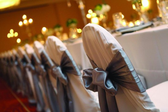 Weddings at the Minneapolis Marriott Northwest