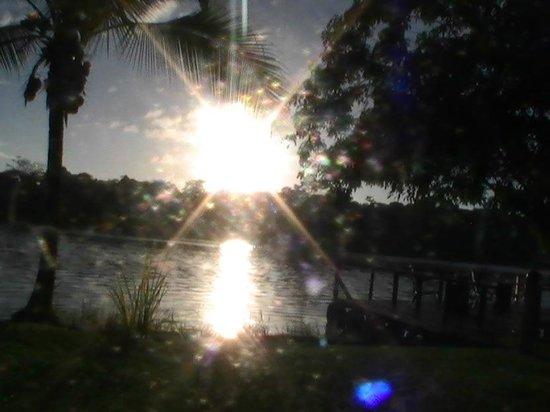 Laguna Lodge Tortuguero: Atardecer desde el Bar