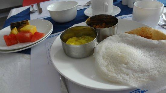 Hotel Millennium Continental: 南インドな朝食はおいしい。