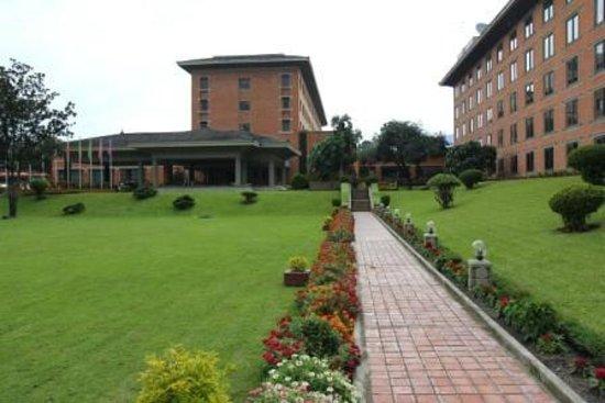 Crowne Plaza Kathmandu-Soaltee: Hotel ground