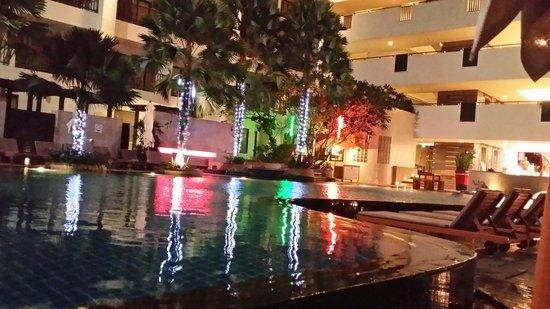 Deevana Plaza Phuket Patong : Pool