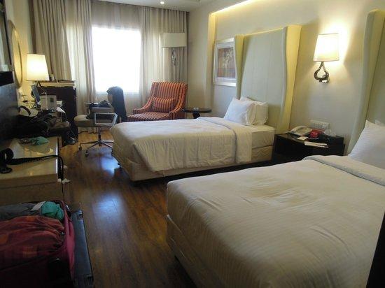 Savera Hotel: chambre