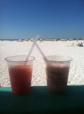Palm Pavilion Beachside Grill & Bar: Blender Drinks with view of Gulf!