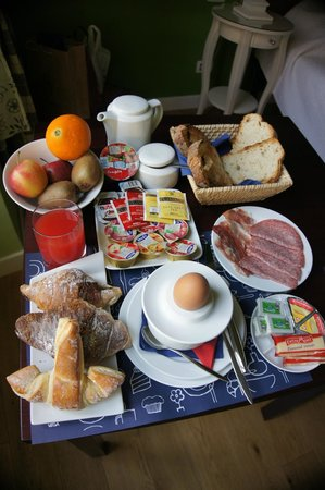 Guest House Casa Martini: Rich Breakfast