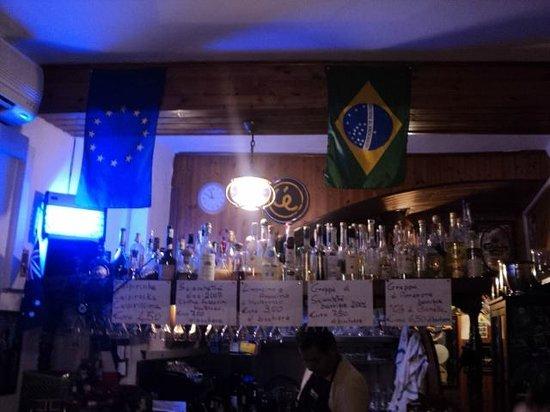 Enoteca da Eliseo: A bandeira do Brasil foi a isca perfeita para nos atrair. Que bom que mordemos a isca.