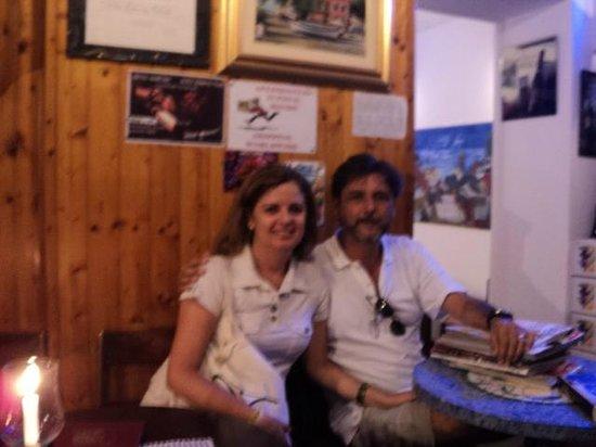 Enoteca da Eliseo: Um casal de brasileiros na casa de uma brasileira em plena Cinque Terre.