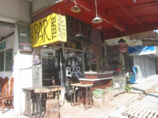 Teepee Bar: 昼間の様子1