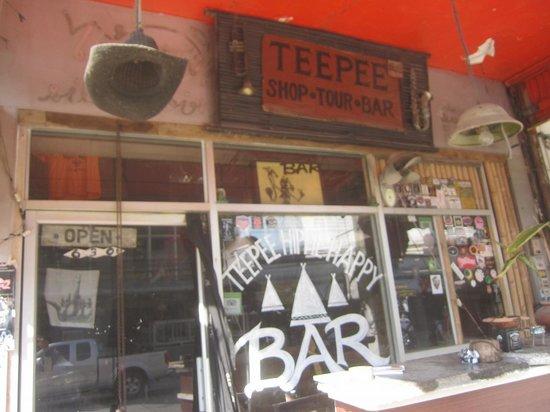 Teepee Bar: 昼間の様子3