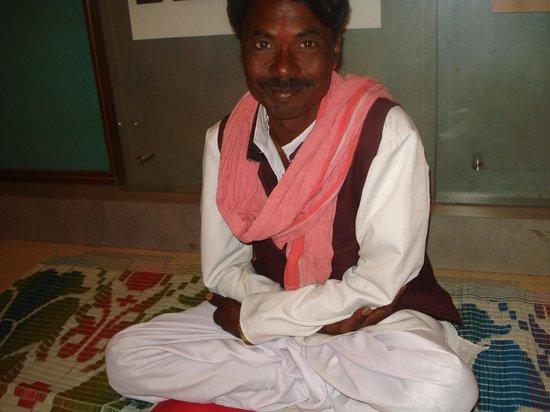 Club Mahindra Fort Kumbhalgarh: Folk performer