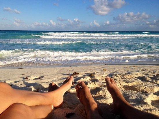 Playa Delfines : Big Waves