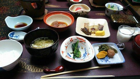 Konjakutei: 朝食です。