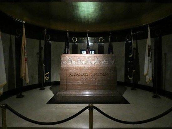 Lincoln Tomb & War Memorials : Der Sarg mit dem toten Präsidenten
