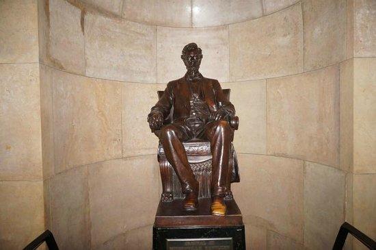 Lincoln Tomb & War Memorials : Lincolns Grabstätte