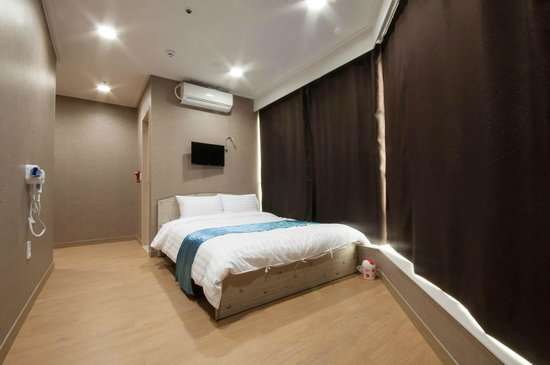 24guesthouse Haeundae : double room 1