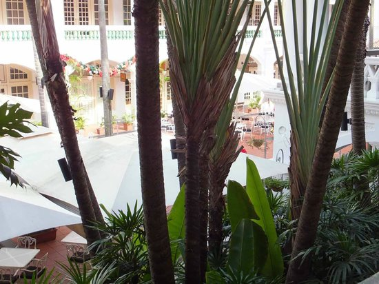 Raffles Hotel Singapore : From veranda