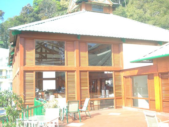 Club Mahindra Munnar: Restaurant from balcony