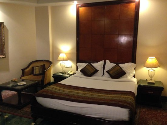 Mansingh Palace, Agra : The room was spacious and good