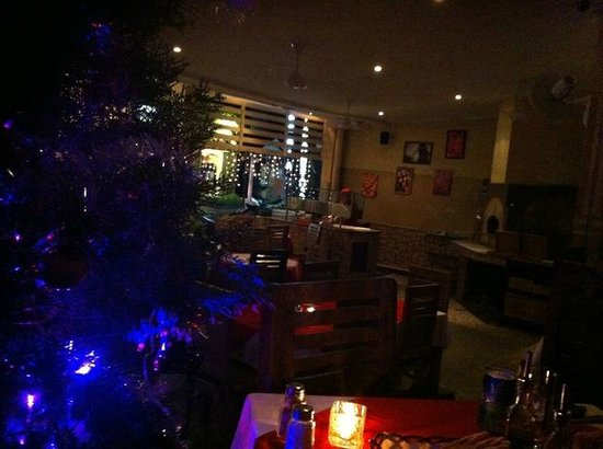 Sasa'  Ristorante Italiano : from indoor table with pizza oven at the entrance