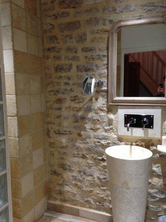 Abbaye de Maizières : bathroom