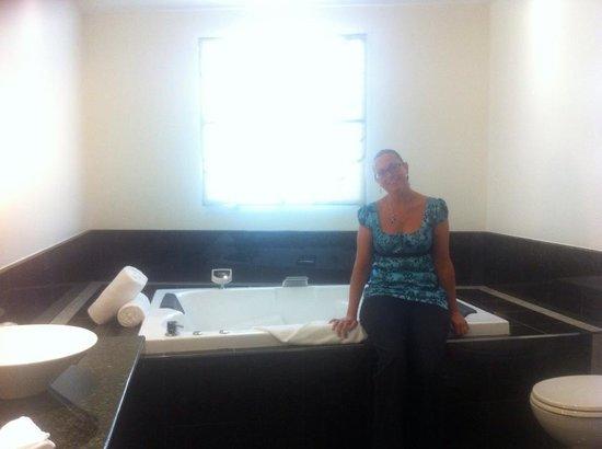 Select Braemar Lodge & Spa: The spa bath
