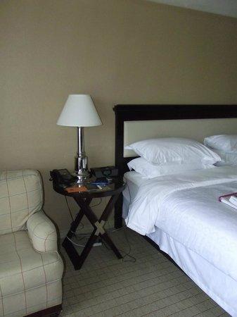 Sheraton Tampa Riverwalk Hotel : another lamp