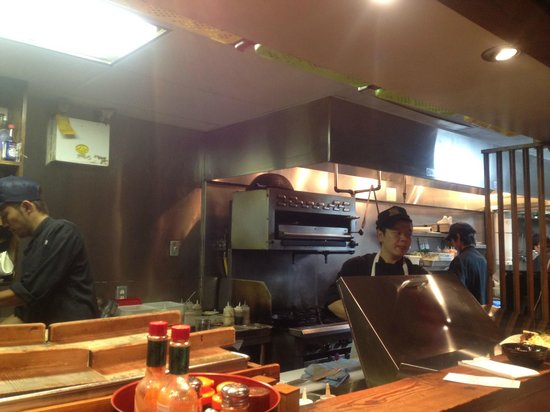 Guu Original : Open concept kitchen