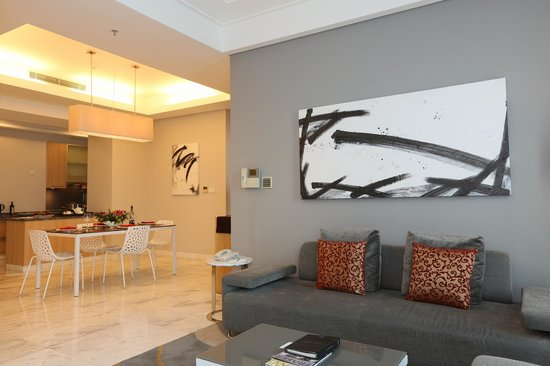 Fraser Residence Sudirman Jakarta: 2-Bedroom Living Room and Dining Area