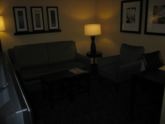 SpringHill Suites Corona Riverside: Seating Area