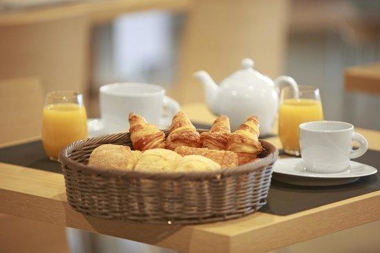 Inter-Hôtel L'Haut'Aile : Petit-déjeuner