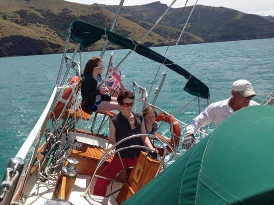 Akaroa Sailing Cruises : Healing in the sun