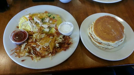 Burnt Toast: Chicken Fajita Omelet with Pancakes