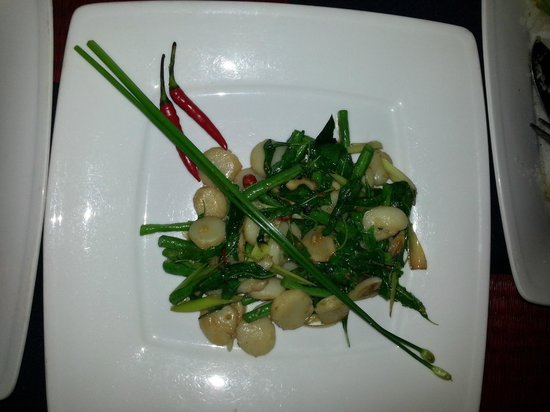 The Touich Restaurant Bar: Scallops with longbeans