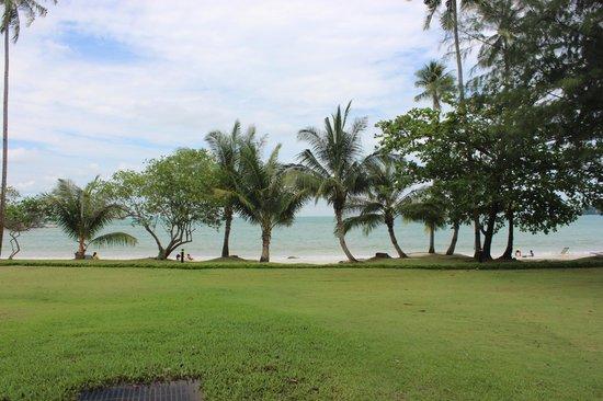 Nirwana Gardens - Nirwana Resort Hotel: By the beach