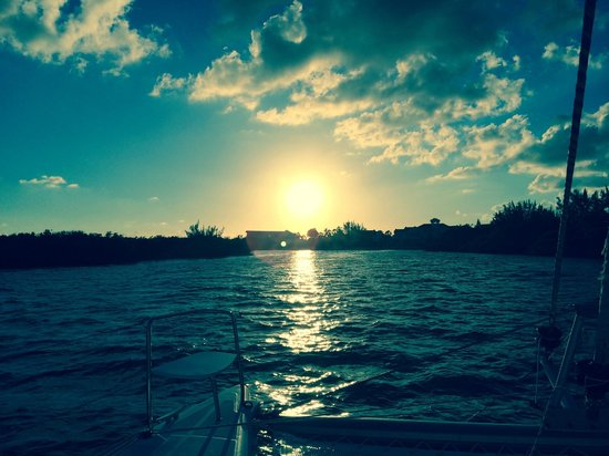 Sun Rays Tours: Beautiful sunset to end the day