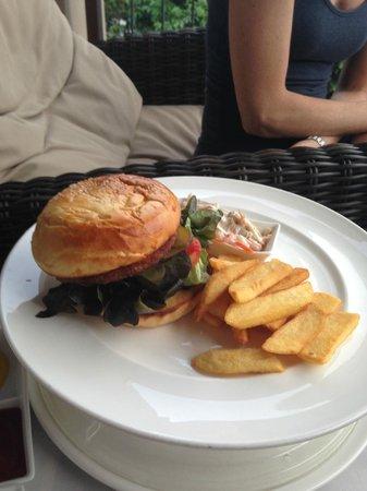 Novotel Phuket Kata Avista Resort and Spa: Room service