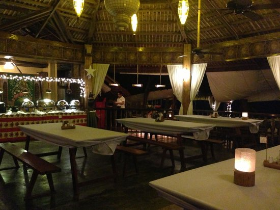 La Luz Beach Resort: Buffet area