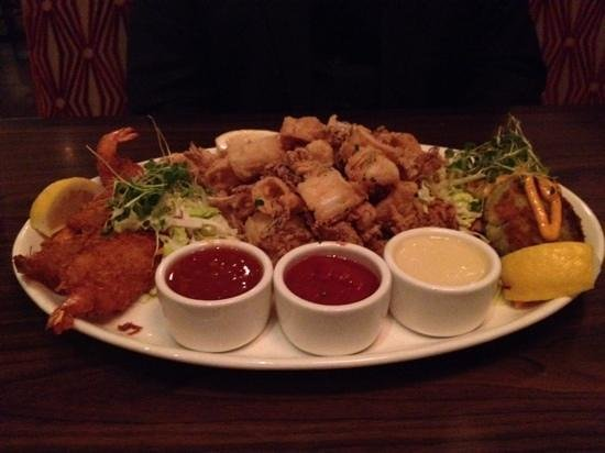Scott's Seafood Restaurant: The hot appetizer combo.