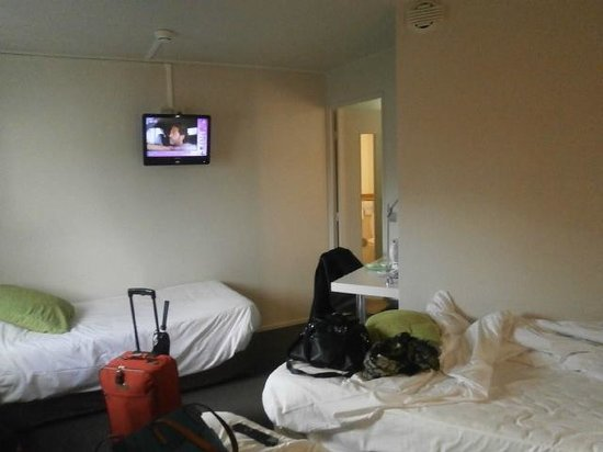 Bagnolet, France : chambre 3 lit