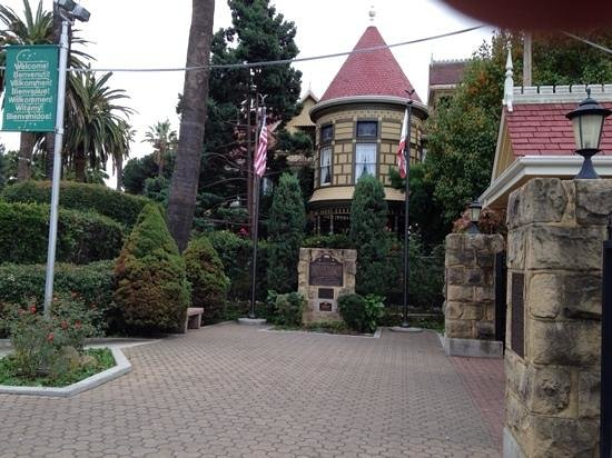 Winchester Mystery House: A Fascinating Building