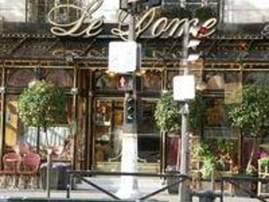Le Dome: 老舗カフェ
