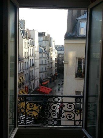 Des Ducs d'Anjou : Isn't this why we go to Paris?