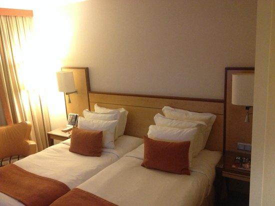 ACHAT Plaza Karlsruhe : Standard room with nice comfortable beds