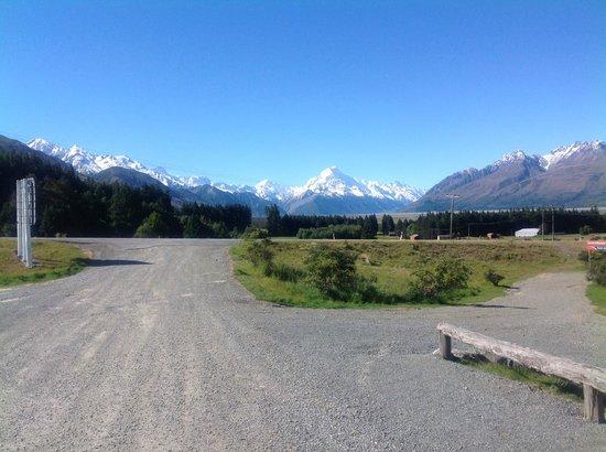 Mount Cook Glentanner Park Centre: Mount Cook seen from Glentanner